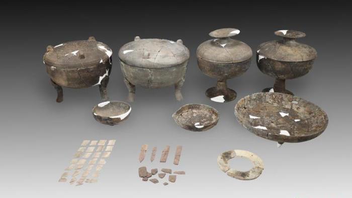 平遥古城墙外发明距今两千多年东周古墓葬