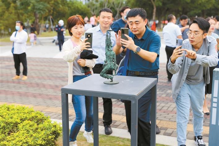 20个国家120余件雕塑作品亮相南科大校园图片