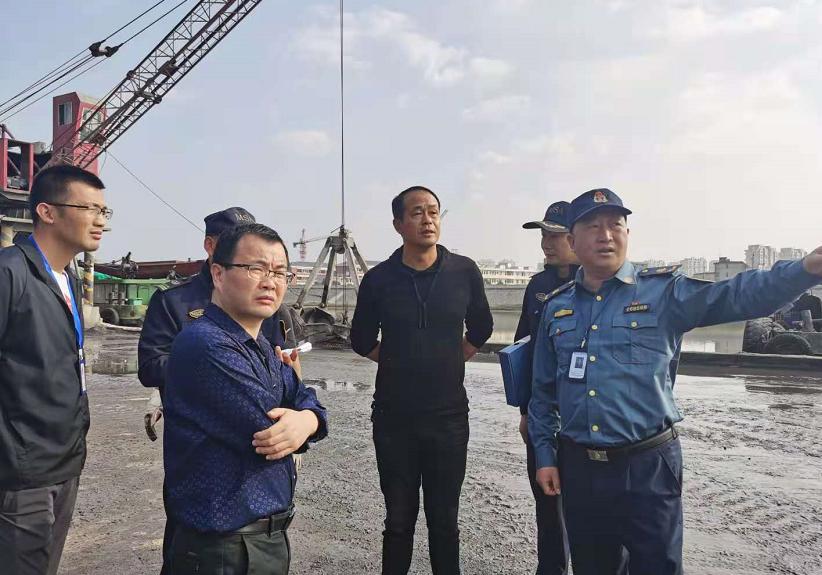 浙江诸暨:多部门集中整治港口码头防污工作图片