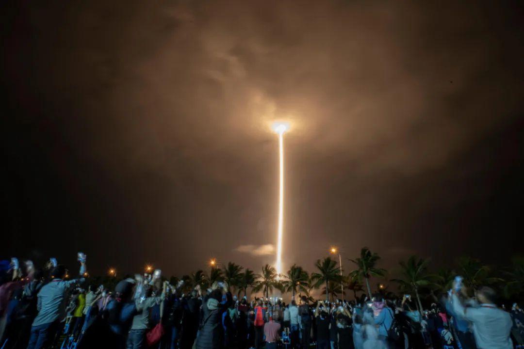 激动人心!嫦娥五号探测器成功发射图片