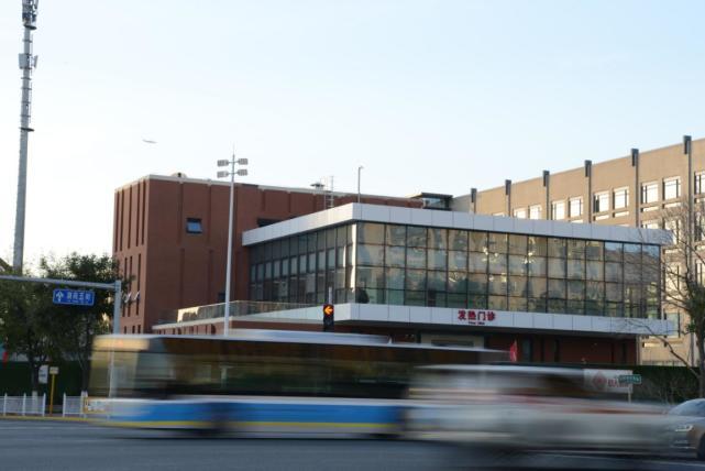 友谊医院通州院区新感染楼启用运行图片