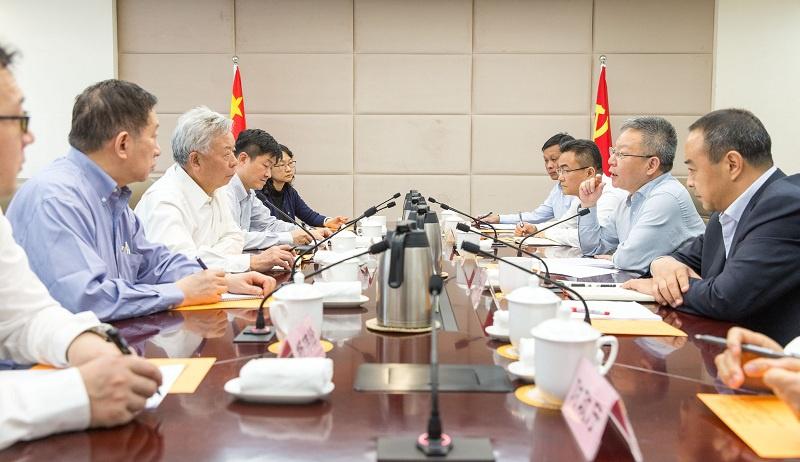 沈晓明分别会见亚投行行长金立群和中国进出口银行董事长胡晓炼图片