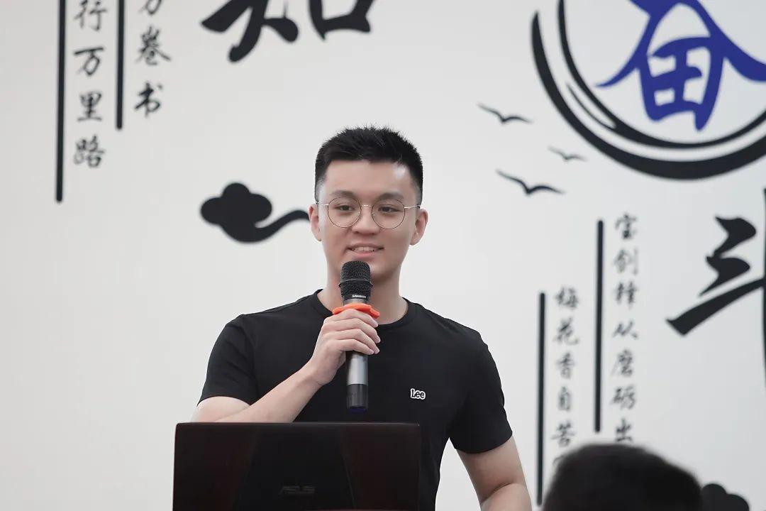 """专业课95+、致力研究""""中国芯""""......来看这位宝藏男孩的修炼秘籍!图片"""