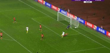 GIF:塞尔吉尼奥小角度爆射得分,亚泰3-0上港