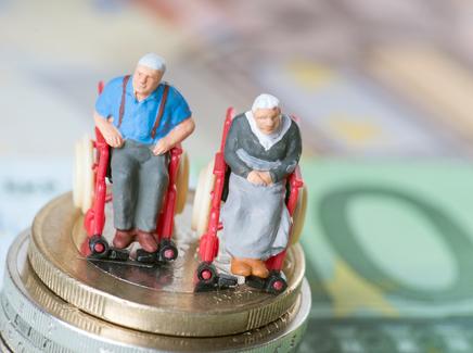 央行李伟:从三方面采取措施提升老年人日常金融服务满意度