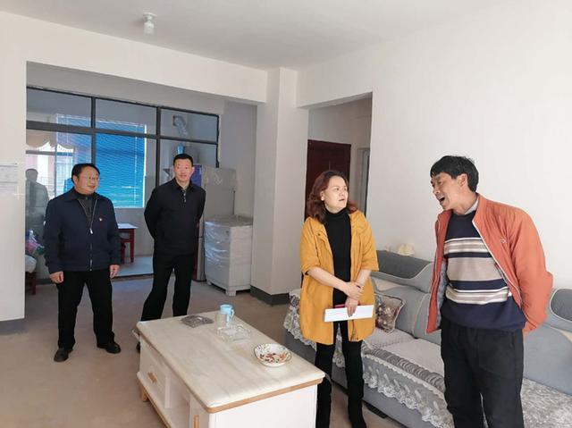 渠志榮(圖片來源于云南省廣播電視局網站)
