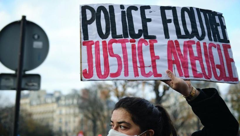 """法国多地爆发游行活动 反对""""全面安全法""""法案"""