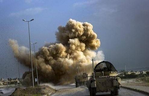 """美军遭路边炸弹袭击 为啥装备精良却败于""""泥腿子""""?"""