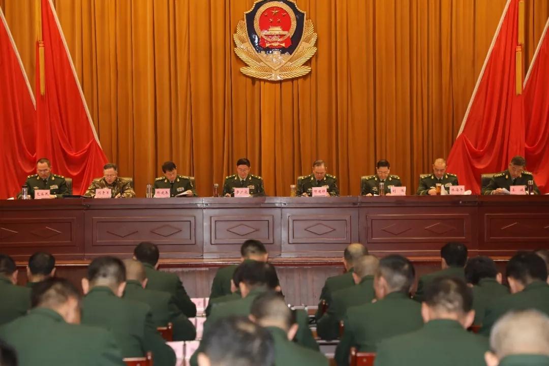 李广泉少将已履新武警西藏总队司令员,两次担任阅兵领队图片