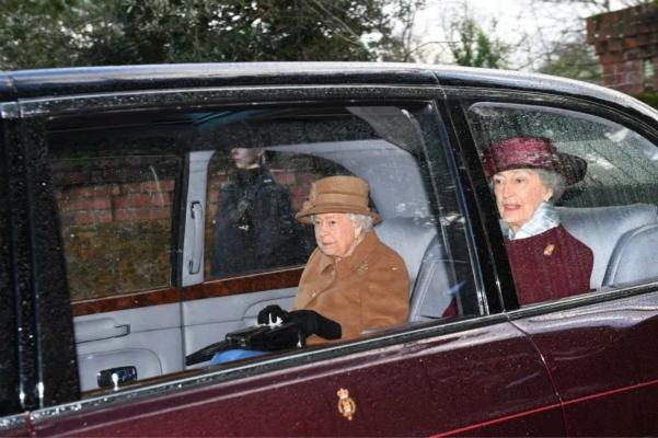 英国女王心情沮丧。(图:《地铁报》)