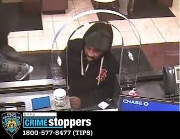 美国劫匪爆笑抢劫方式:写字条给前台,就能抢到钱,还无罪释放