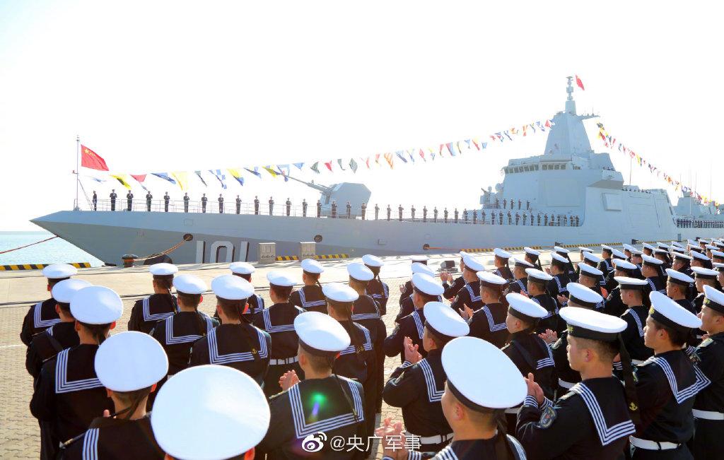 055驱逐舰首舰在青岛入列 日媒担心的事情来了图片