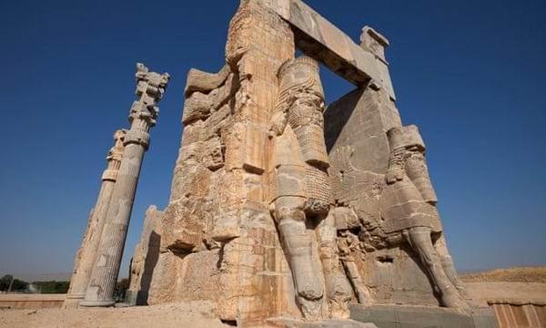 1979年被联合国教科文组织列入世界文化遗产名录的伊朗波斯波利斯古城中的万国之门。