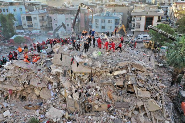 外媒:爱琴海地震已导致土耳其至少115人死亡