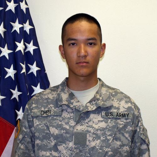 华裔美军士兵是否会把枪口对准同胞?23岁小伙却说:同胞不会留情