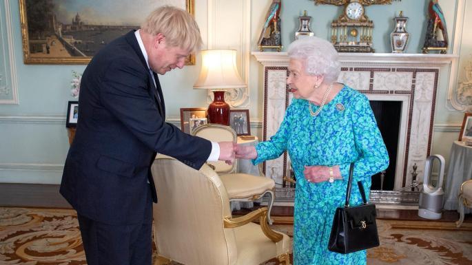 英首相约翰逊与英女王伊丽莎白二世(图:泰晤士报)