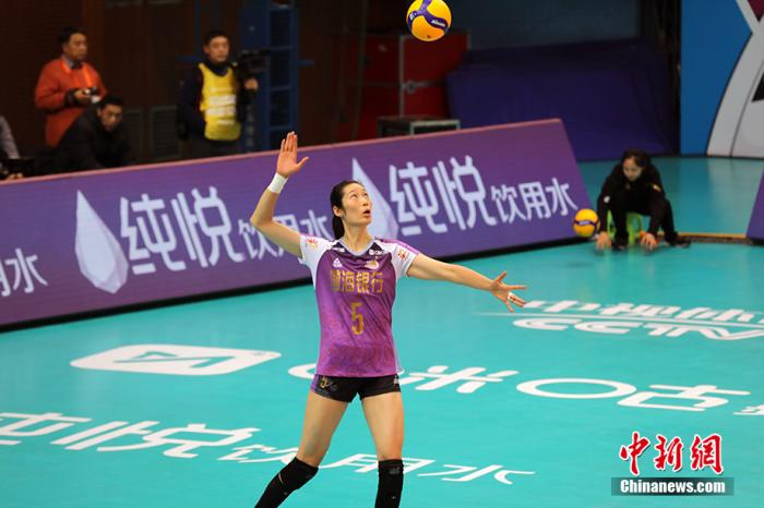"""天津女排加冕""""十二冠王"""" 朱婷等到首个排超冠军图片"""
