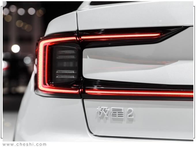 车型对标Model 3不说 沃尔沃这个新品牌把店还开在了特斯拉隔壁