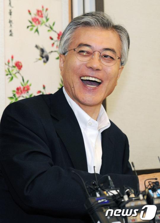 韩国总统文在寅(news 1)