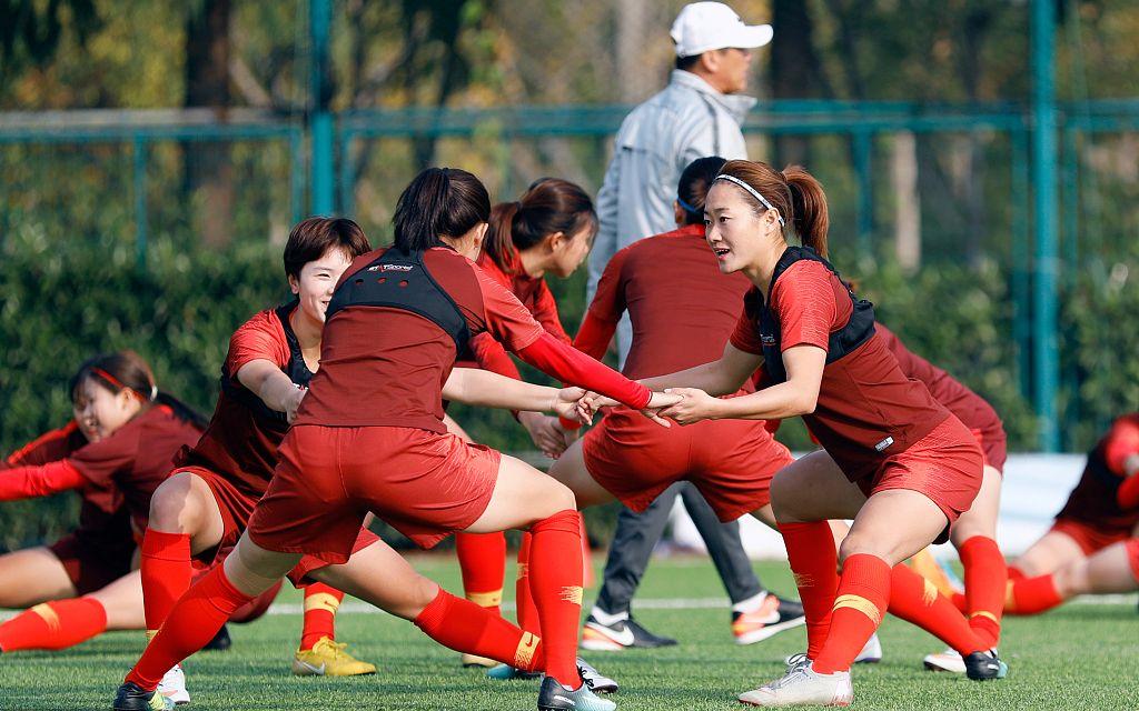 中国女足澳洲拉练归来,冲刺备战奥预赛春节只歇两天图片