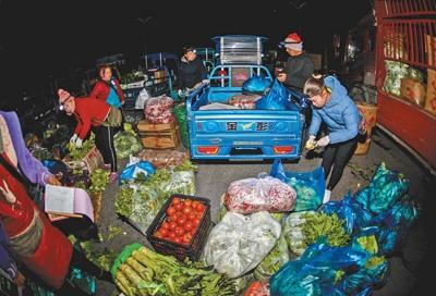 云南农民跨国卖菜