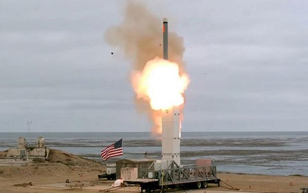去年8月,美国退出《中导条约》后首次试射中程弹道导弹。