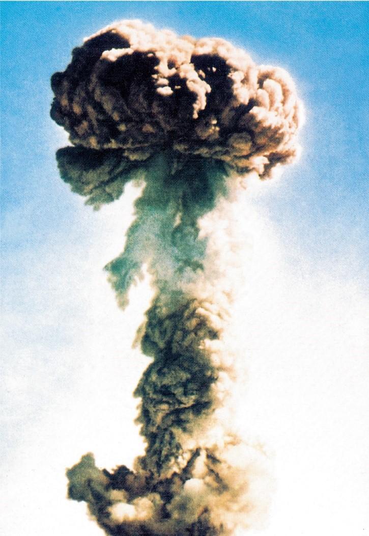 65年前的今天 他们开始研制原子弹氢弹核潜艇图片