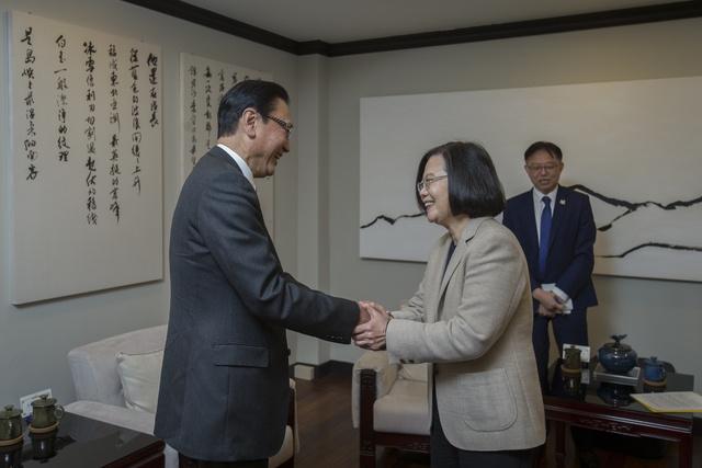 蔡英文和古屋圭司见面(图片来源:台媒)