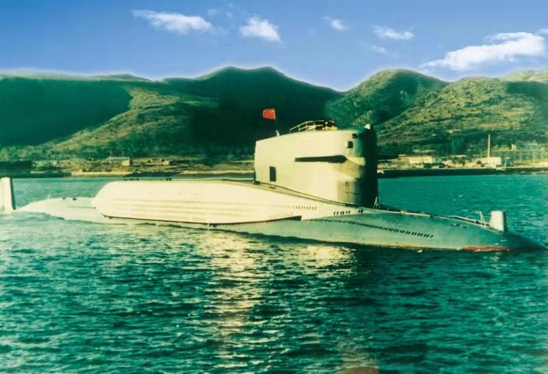 △1970年12月,我国第一艘核潜艇顺利下水。