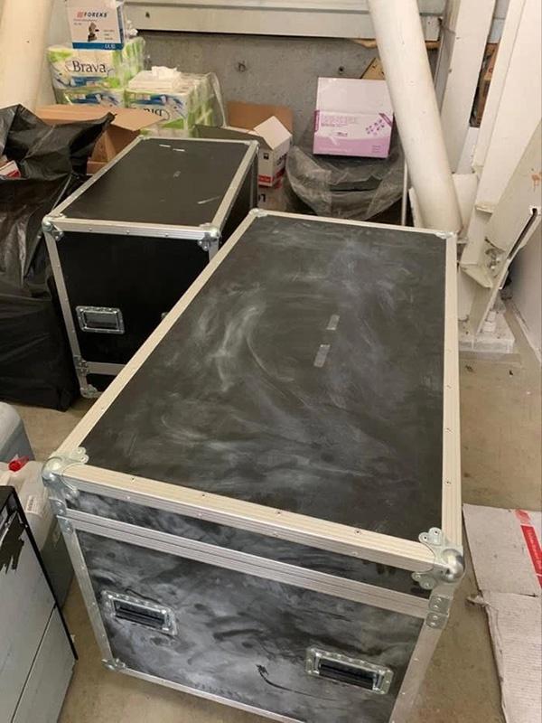 媒体公布的戈恩藏身的大箱子