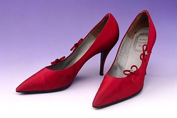 摩登日记|谁才是细高跟鞋的发明者?图片