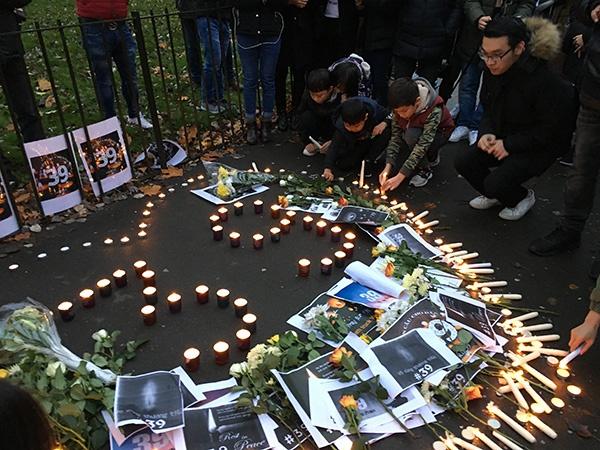 伦敦海德公园内越南人纪念39名死难同胞的烛光活动本文图均为 澎湃新闻记者 刘栋 图