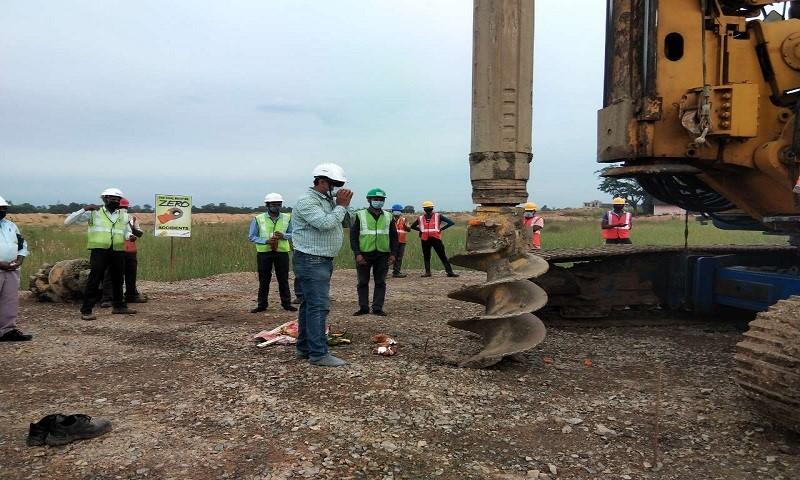 中国化学工程印度塔奇尔化肥项目桩基工程开工图片