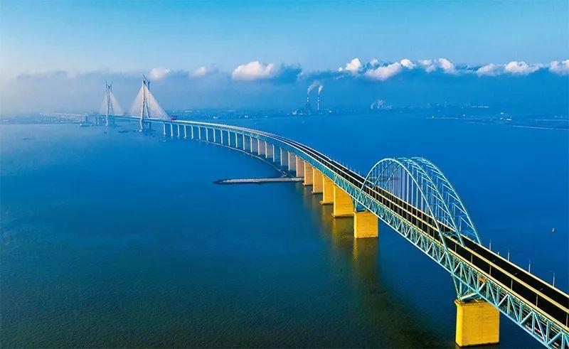 《求是》杂志:为什么中国经济风景这边独好图片