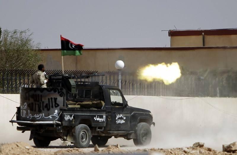 俄罗斯雇佣兵现身利比亚 苏尔特地标建筑被摧毁