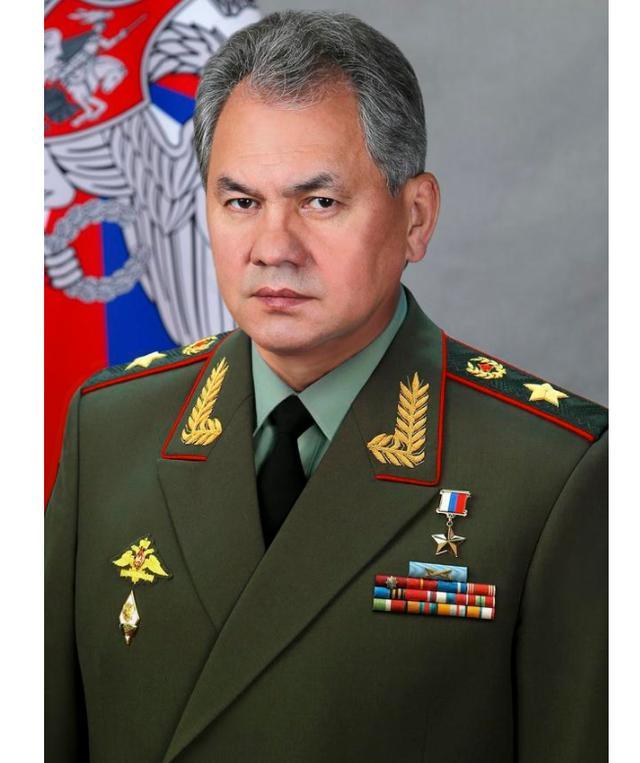 普京批准政府全体辞职,国防部长绍伊古和副部长福明怎么办?