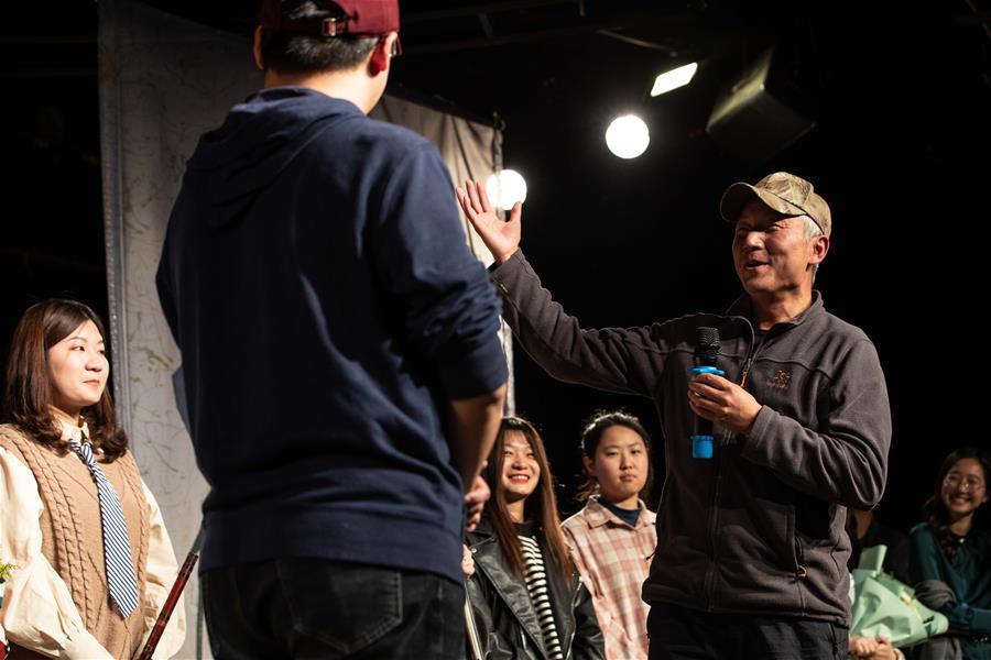 绿孔雀保护主题话剧《心尖上的绿孔雀》在京首演