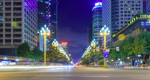 壮大中心城区经济总量_成都环球中心