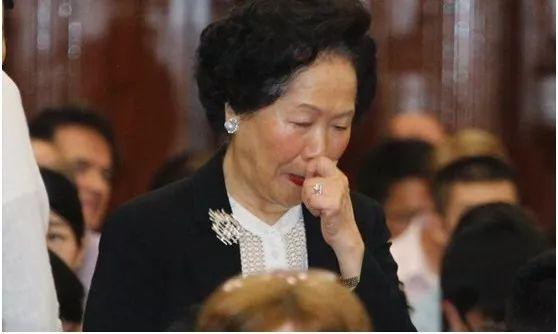 辣眼睛 这个辩论赛竟这样煽动香港中学生