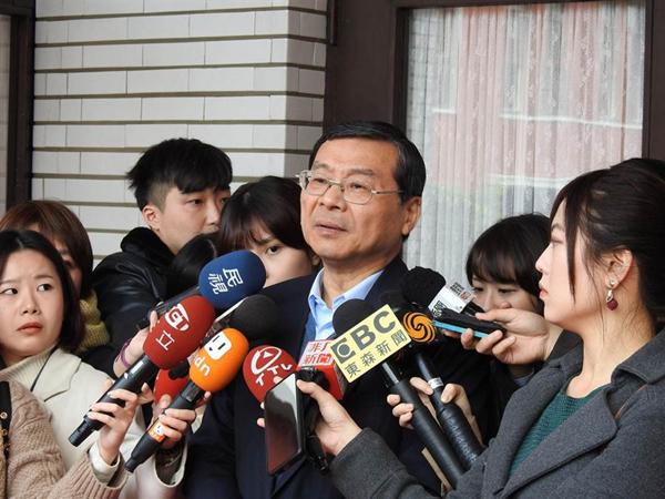 """国民党代理秘书长曾铭宗(中)。(图片来源:台湾""""中时电子报"""")"""