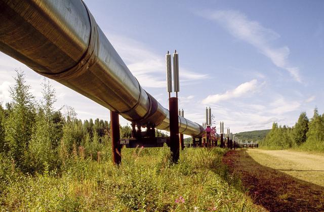 美国制裁大棒终归落下,德国抗议也很无奈:俄天然气真要停工了?