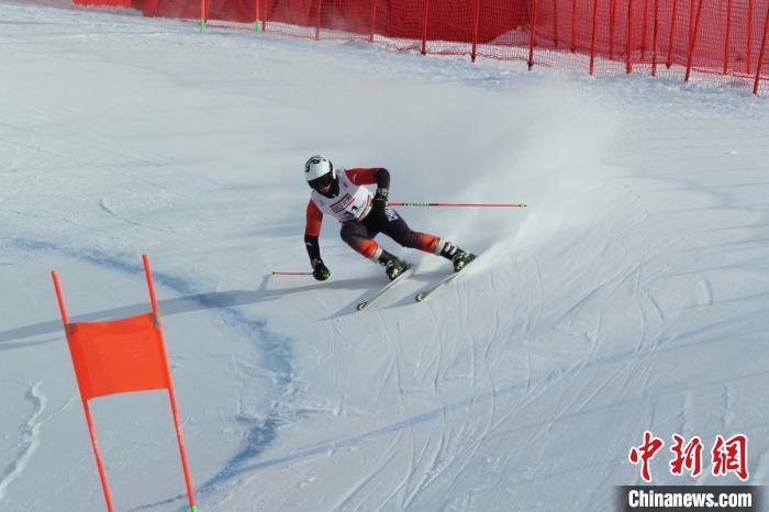 """""""十四冬""""高山滑雪全能比赛 黑"""