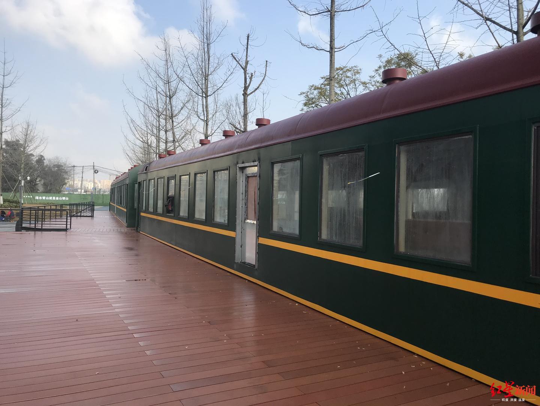 """成都二仙桥公园:绿皮车里的艺术餐吧 春节邀你品""""辣椒咖啡"""""""