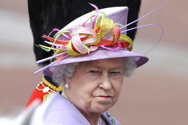 哈里梅根想让阿奇与外婆亲近,英国女王或使用皇孙监护权挟制二人