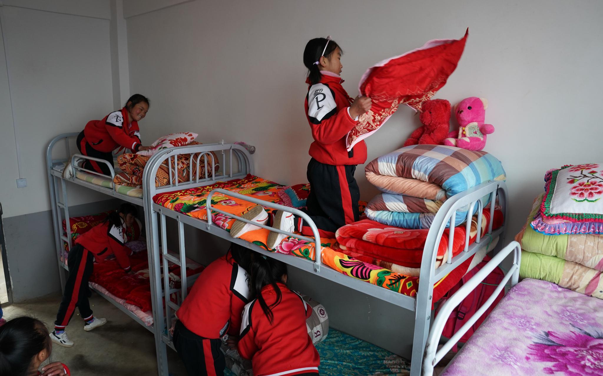"""贵州""""溜索村""""小学生搬进新宿舍,上课不再瞌睡成绩提高图片"""