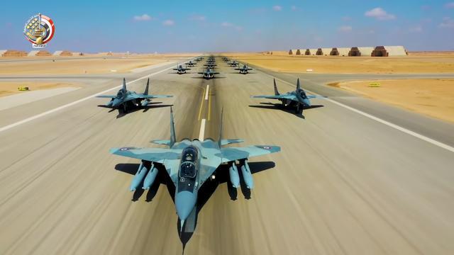 美俄战机双双坠毁,军方派大军搜寻,与抢残骸的极端武装大打出手
