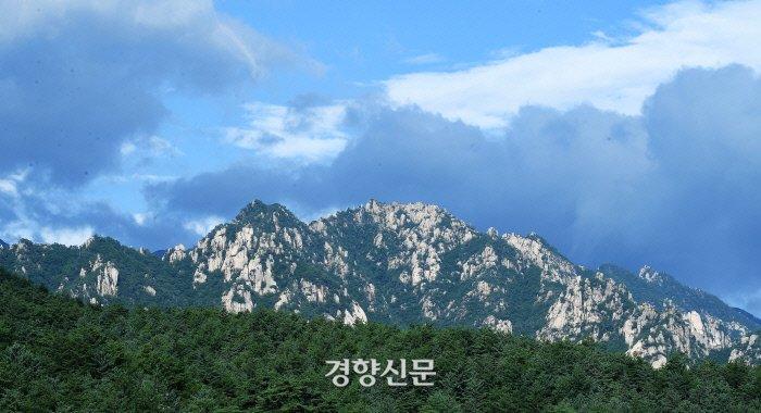 朝鲜金刚山景区(《京乡新闻》)
