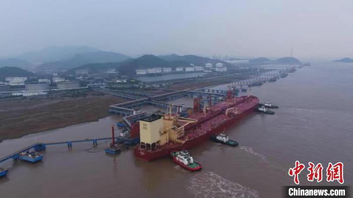 宁波算山码头吞吐量破6亿吨刷新纪录