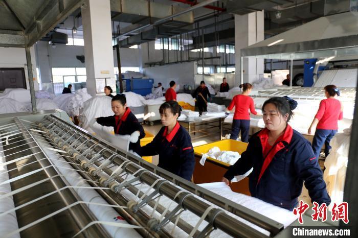 """春运:福州客运段保证旅客使用卧具""""贴身更贴心"""""""