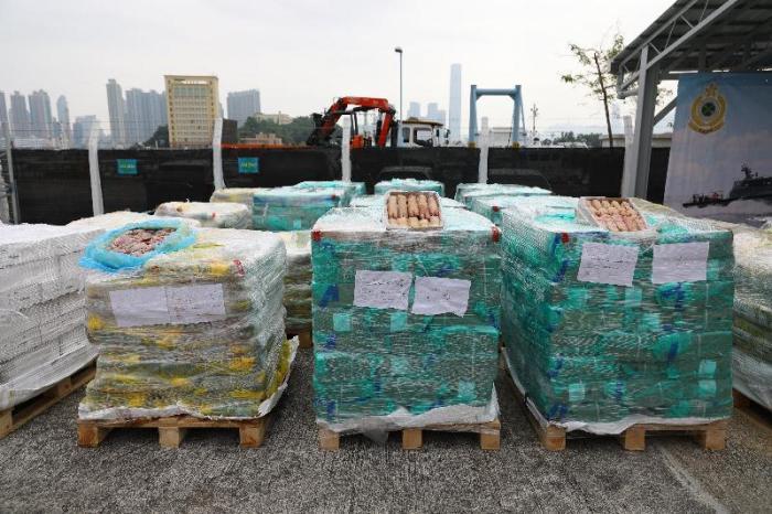 图示部分为检获的怀疑走私冻肉。图片来源:香港特区政府新闻公报